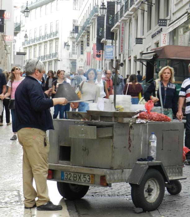 Vendedor de castanhas na baixa de Lisboa Vrédito: Giuliana Miranda