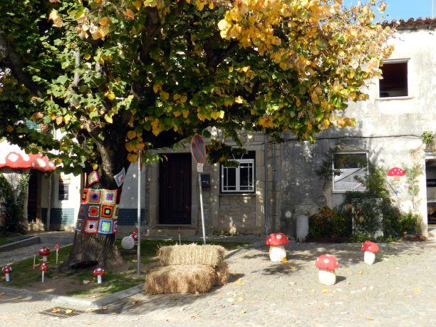 A aldeia de Alcade descorada para a festa Crédito: Giuliana Miranda