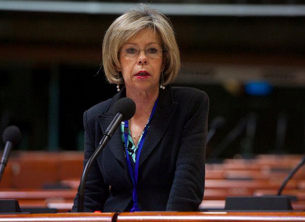 A candidata à presidência Maria de Belém Roseira discursa no Conselho Europeu