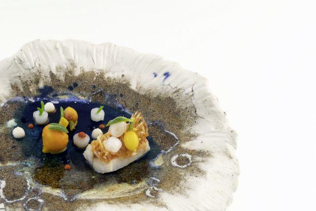 Salmonete, lulas e fígado: criação do chef Rui Silvestre no restaurante português Bon Bon | Crédito: Telmo Antunes