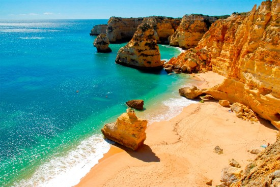Praia no Algarve, sul de Portugal (Foto: Turismo do Algarve)