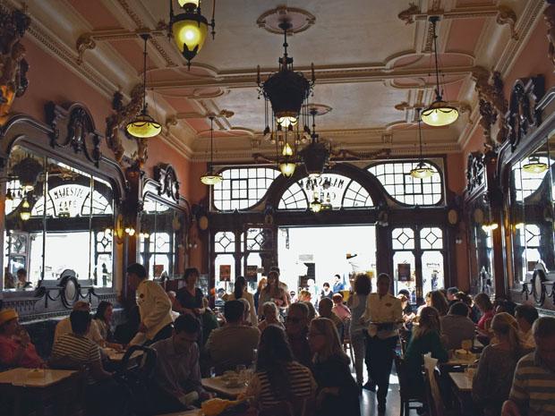 O café Café Majestic  é um dos mais emblemáticos do Porto (Foto: Giuliana Miranda)
