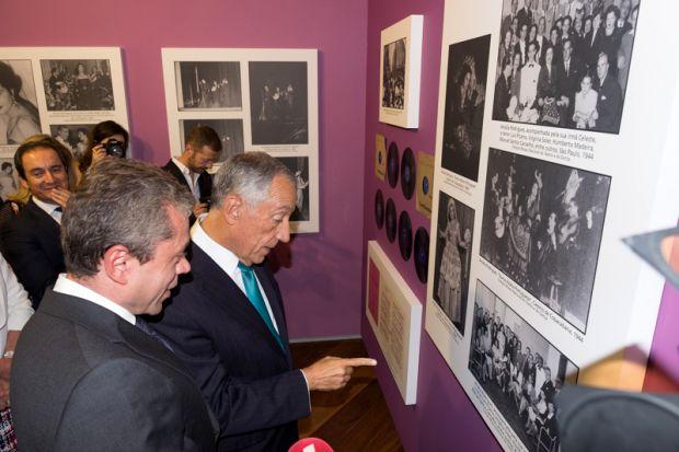 Marcelo Rebelo de Sousa, presidente de Portugal, participou da abertura da exposição (Foto: Divulgação)
