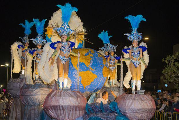 Desfile de Carnaval na ilha da Madeira | Foto: Francisco Correia/Visit Madeira