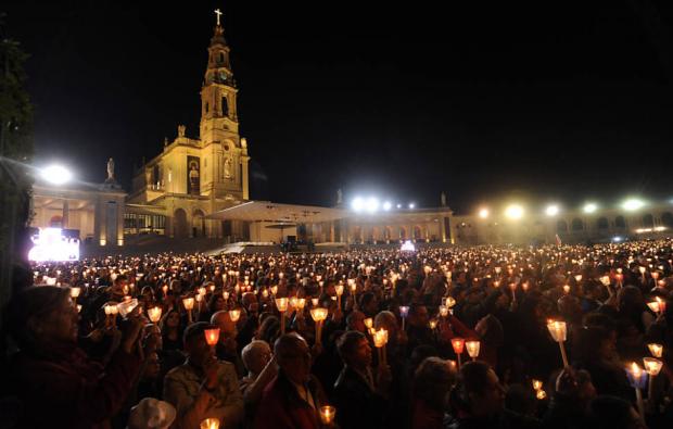 Fiéis em Fátima | Foto: Paulo Duarte/Associated Press
