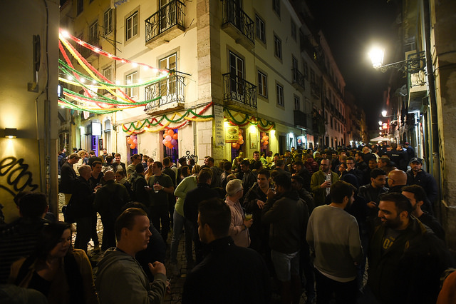 Participantes do Web Summit invadem o Bairro Alto | Foto: David Fitzgerald/Web Summit via Sportsfile