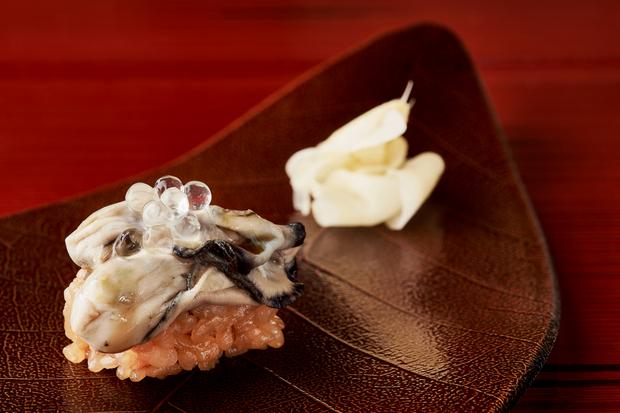 O sushi de ostra | Foto: Divulgação