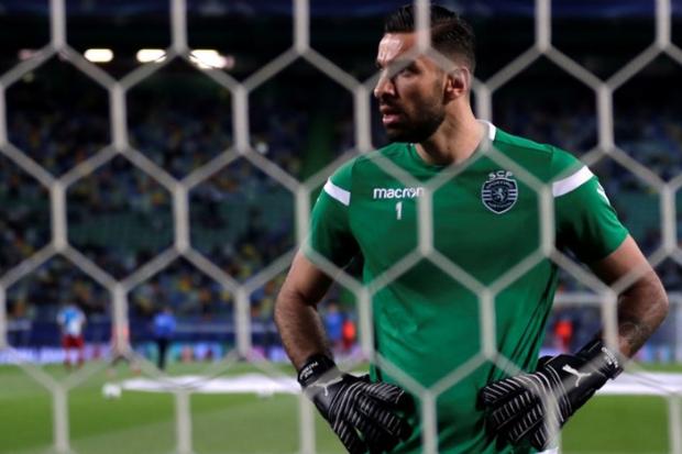 Goleiro da seleção portuguesa, Rui Patrício rescindiu contrato com Sporting após agressões | Foto: Rafael Marchante/Reuters