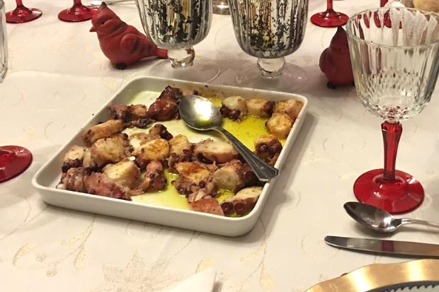 Salada de polvo é um dos clássicos natalinos portugueses | Foto: Giuliana Miranda