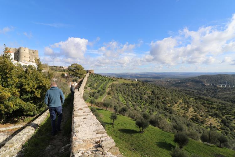 Evoramonte é cercada por uma espessa muralha medieval | Foto: Divulgação