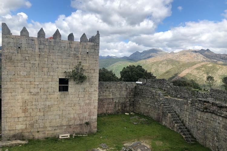 Castelo do Lindoso teve importância na defesa das fronteiras portuguesas contra os espanhóis | Foto: Giuliana Miranda/Folhapress