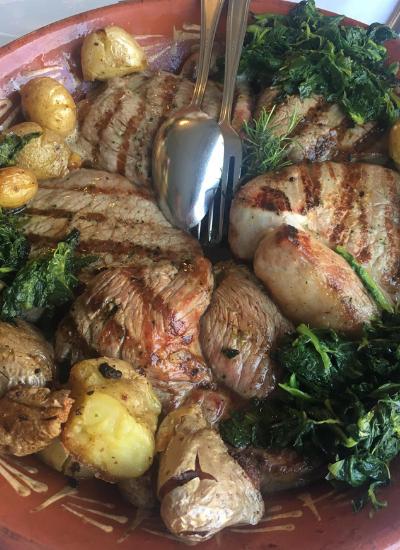 Posta Barrosã é o prato mais famoso da região e já tem até data comemorativa no calendário da cidade | Foto: Divulgação