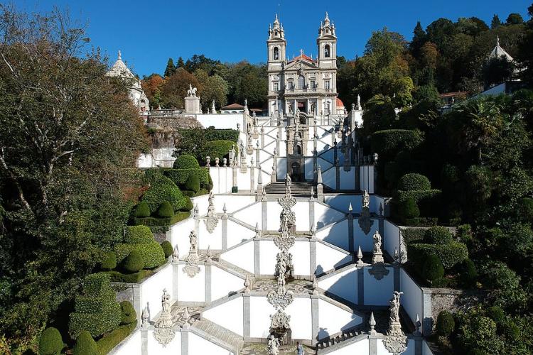 Santuário de Bom Jesus em Braga é um dos mais visitados por brasileiros | Foto:  Joseolgon/ Wikicommons