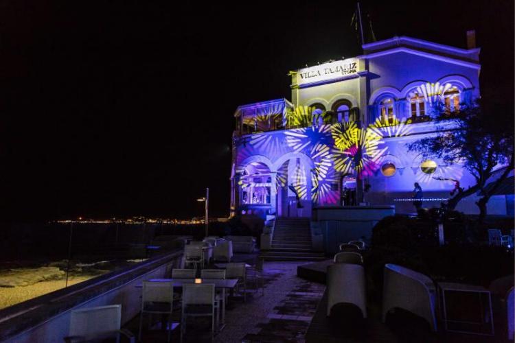 Villa Tamariz tem festa à beira-mar com batucada brasileira | Foto: Divulgação/Why