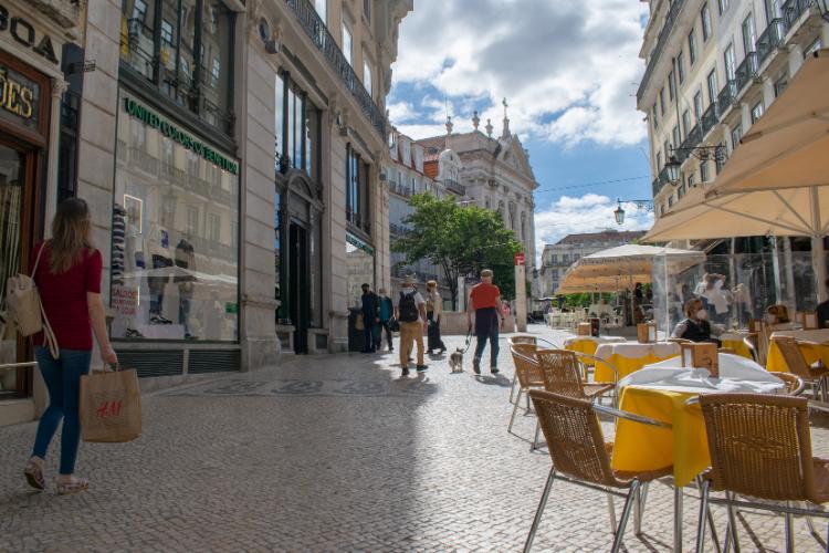 Movimento era tranquilo na manhã e começo da tarde no centro de Lisboa | Foto: Giuliana Miranda/Folhapress