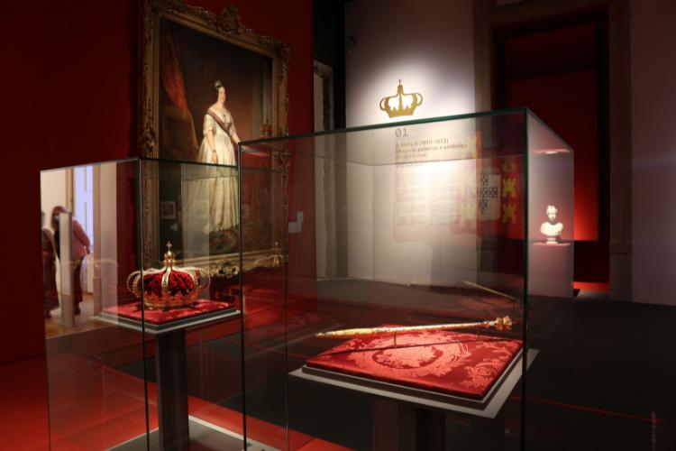 Coroa e cetro da rainha D. Maria 2ª não eram expostos há mais de 20 anos | Foto: Divulgação